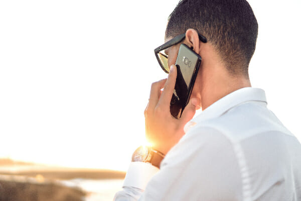 hang up on cold calls to avoid investment fraud